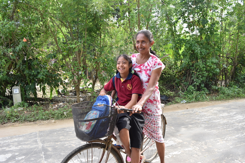 Every morning and afternoon they have to cycle one hour to the schoolbus